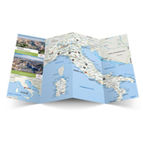 Labrys folding maps are provided to their customers that are participating in a Labrys group travel excursion. The client requested a customized mapstyle, which can be seen. Additionally, a metro map has been made for practical use.
