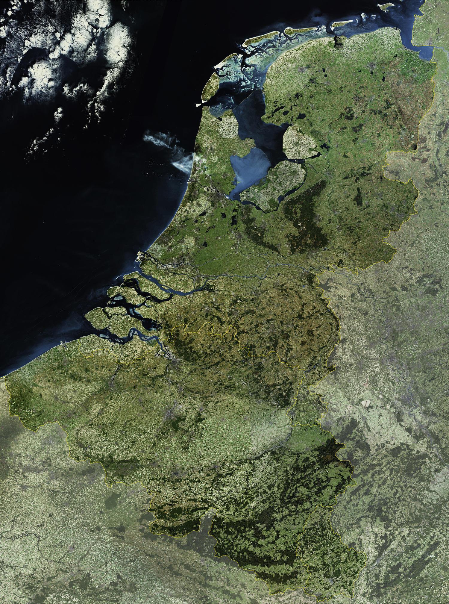 Digital Satellite Map Benelux